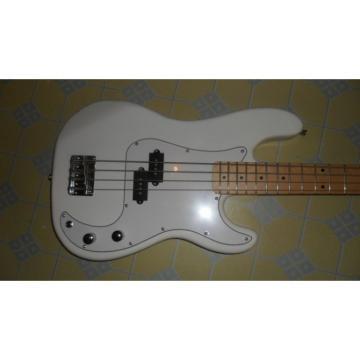 Custom Shop Squire White Fender Guitar