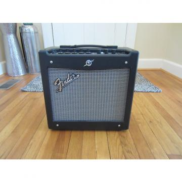 Custom Free Shipping! Fender Mustang I v.2 1x8 20W Modeling Combo Guitar Amp   Very Clean!  Sounds Great!